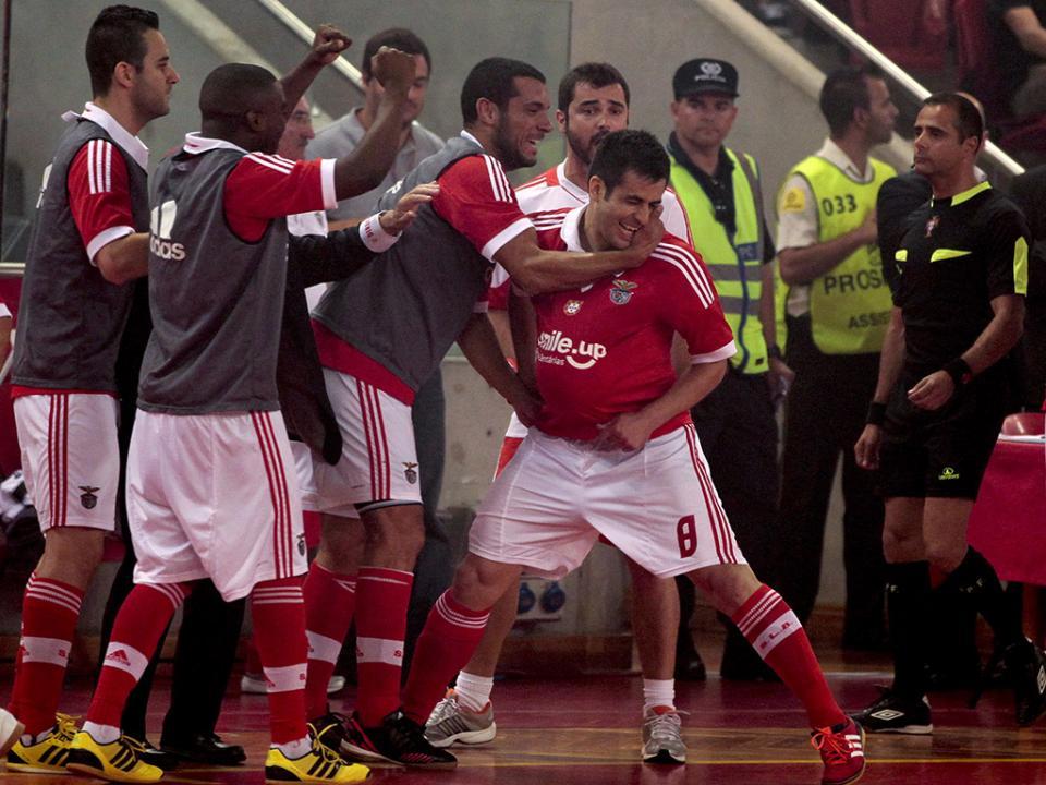 Futsal: Benfica vence Sporting e chega à liderança
