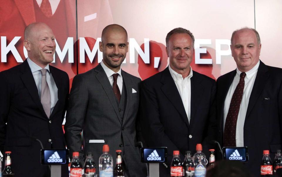 Por que não são ex-jogadores e ex-treinadores a mandar no futebol?
