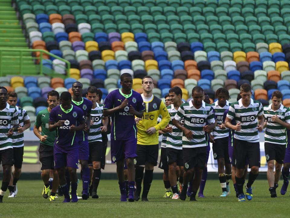 Sporting: Cissé e Slimani reintegrados, Rojo vai ser reavaliado