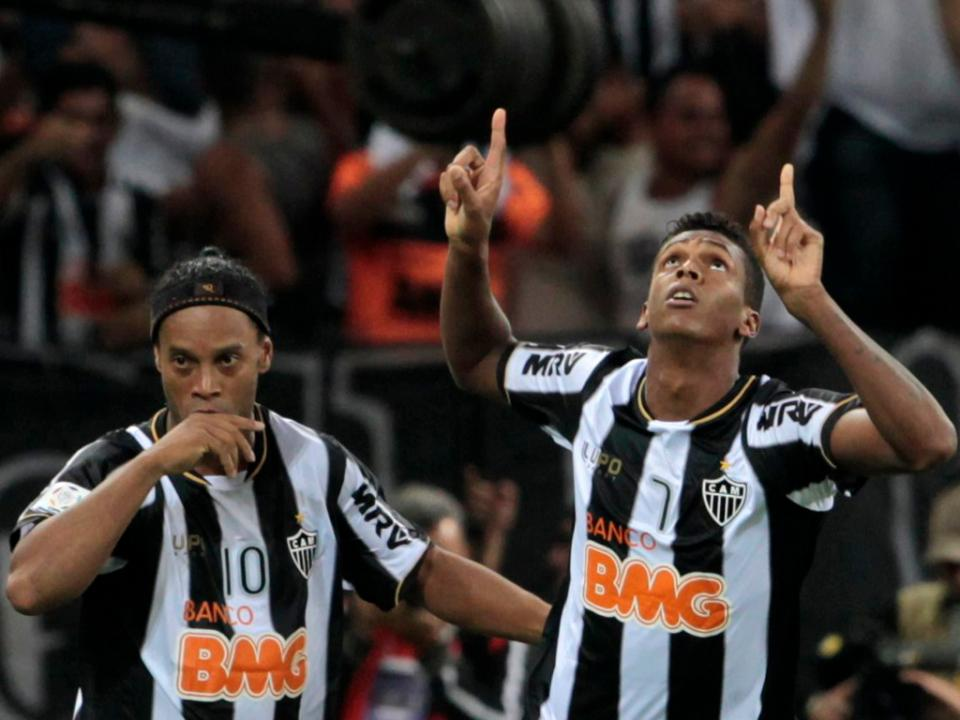 Ronaldinho: a fidelidade ao Galo e o Mundial pelo canto do olho