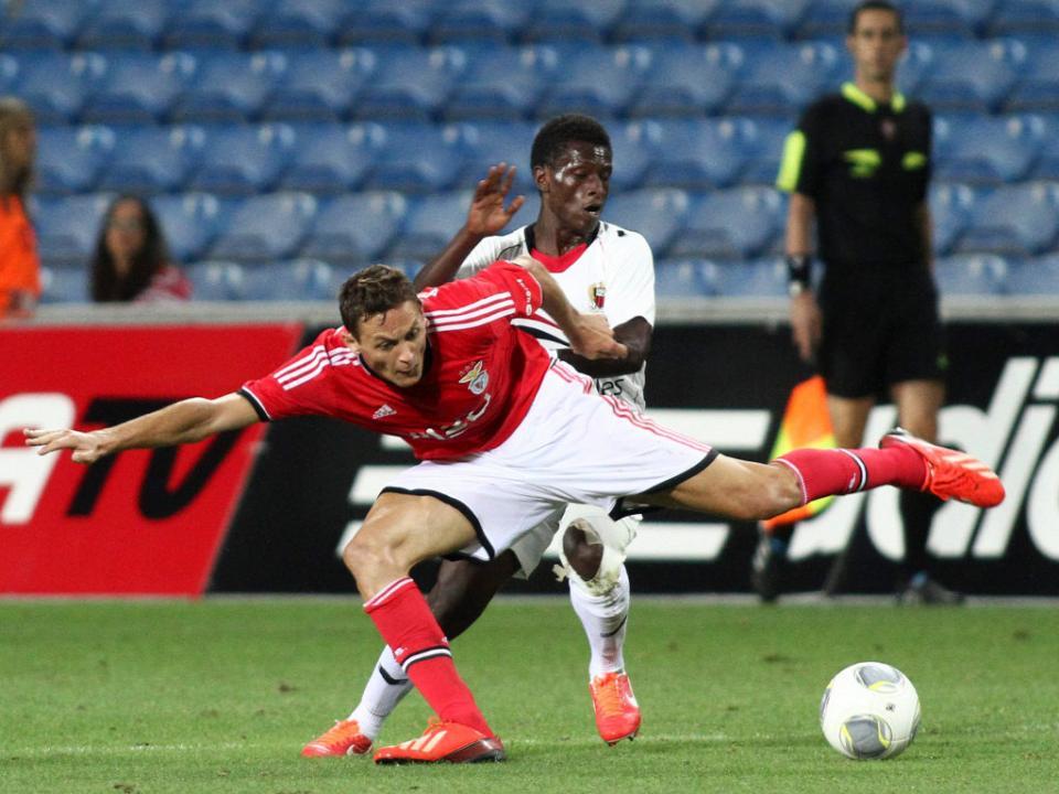Cinco do Benfica, entre eles Matic, na seleção da Sérvia