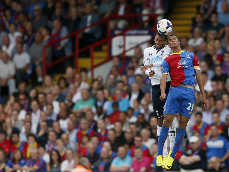 OFICIAL: Capoue renova com o Watford até 2022