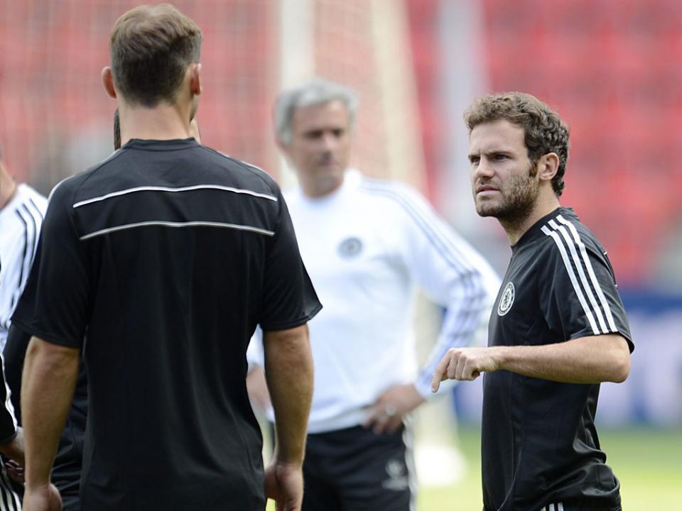Mourinho: «Mata é muito bom jogador, mas não o vejo como especial»