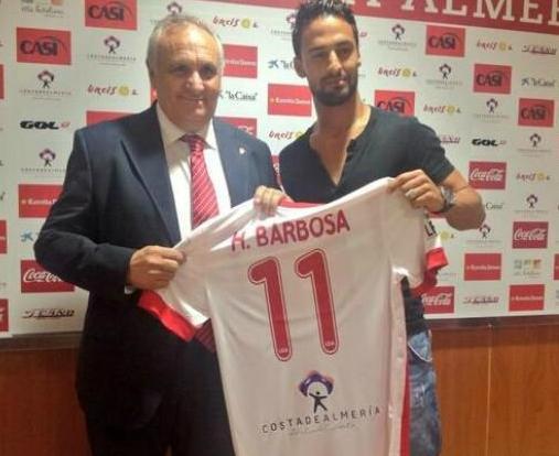 Hélder Barbosa apresentado: «Futebol do Almeria é bom para mim»