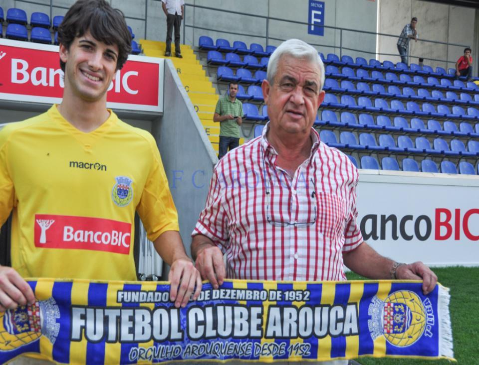 Arouca: Carlos Pinho suspenso três meses e 20 dias