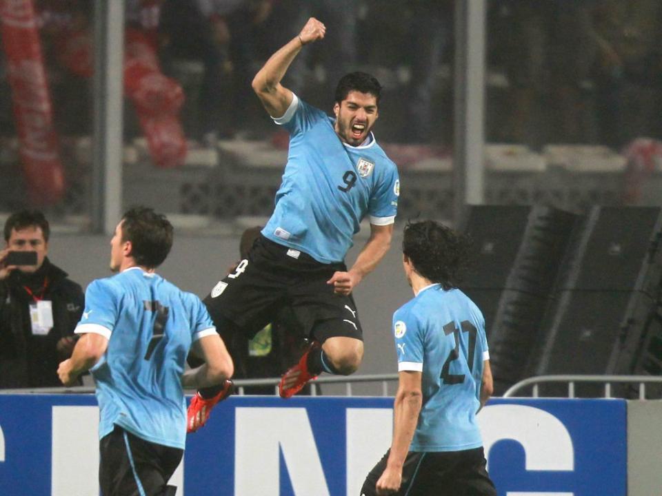 Uruguai mais perto do Mundial depois de triunfo em Lima