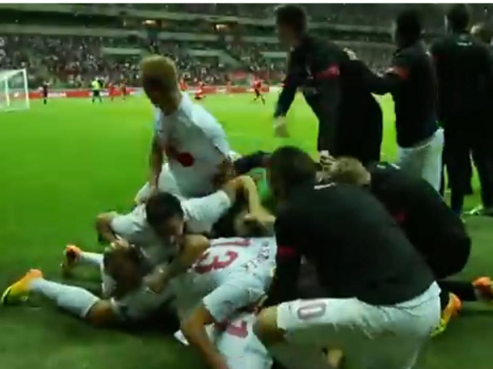 O drama da Polónia depois da festa de um golo que não valeu (vídeo)