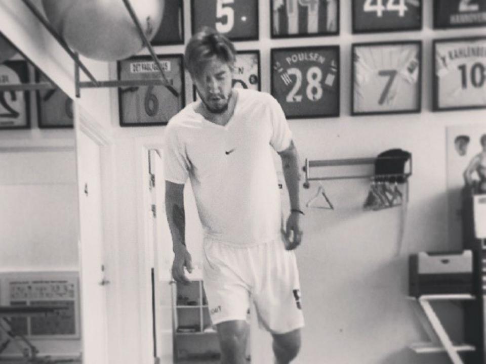 Foto: dá para recuperar a forma, Bendtner?