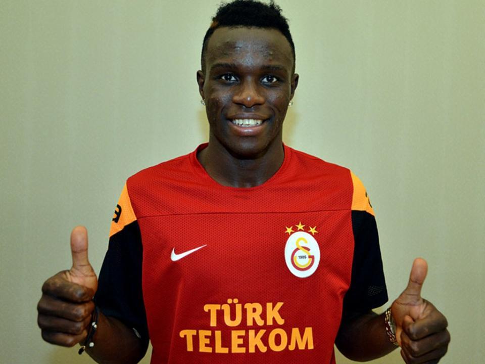 Treinador do Galatasaray quer manter Bruma no plantel