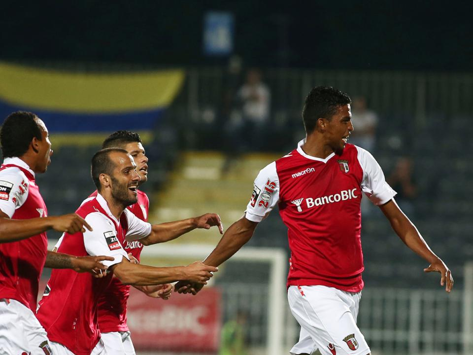 Sp. Braga: Aderlan Santos renova até 2018