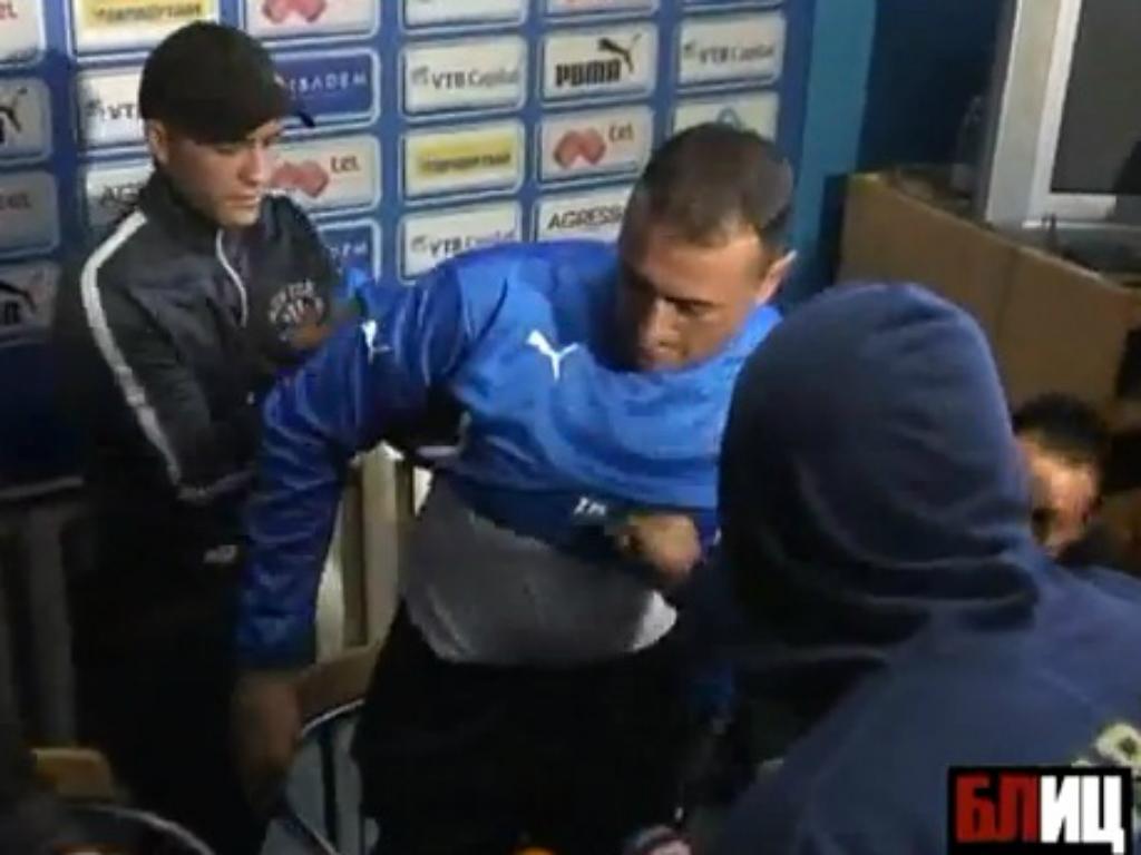 Novo treinador do Levski expulso pelos adeptos na apresentação