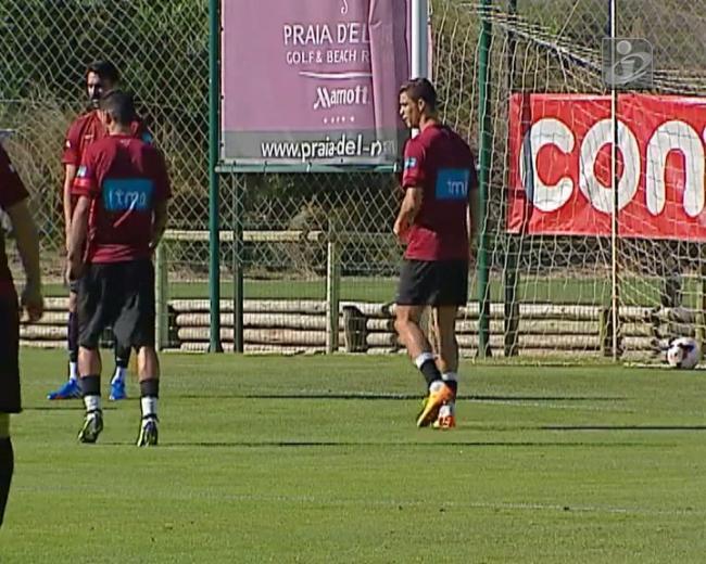 Ronaldo: qualquer parte do corpo é boa para passar a bola
