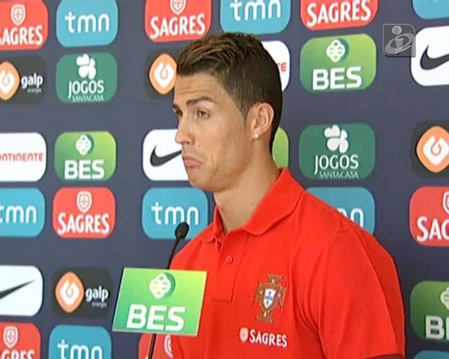 Toalha ao chão? Ronaldo desconfia