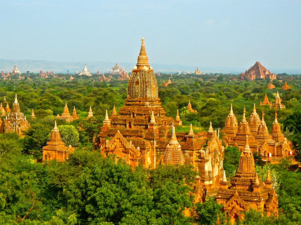 Um português em Myanmar, entre milhares de pequenos Budas