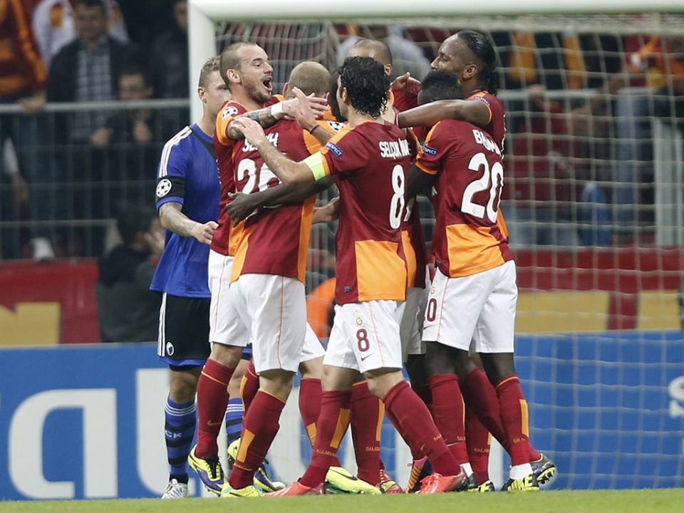 Galatasaray, sem Bruma, resolve jogo em sete minutos