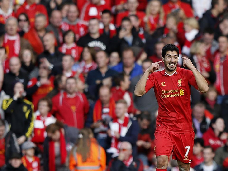 Liverpool teve de vender avançado para ajudar Suarez