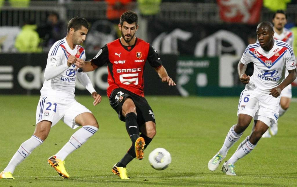 Nélson Oliveira regressa ao Benfica como melhor marcador do Rennes