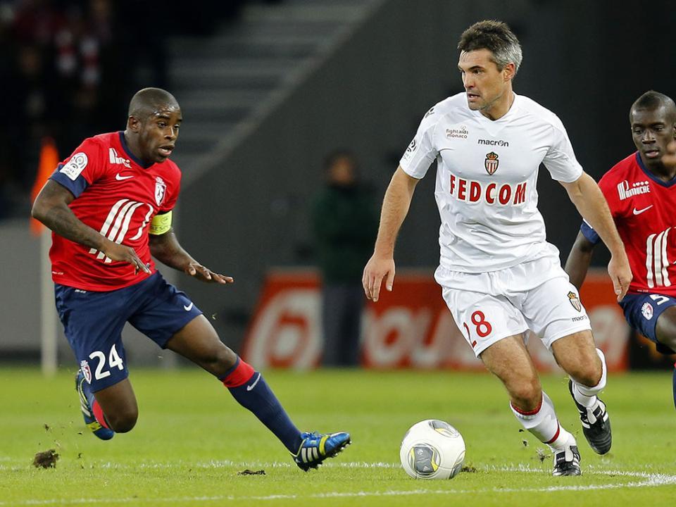 Jogador internacional francês termina a carreira aos 34 anos
