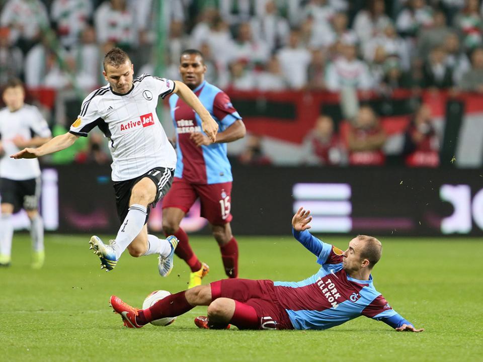 LE, Grupo L: Trabzonspor, com Bosingwa e Cardozo, passa Lokeren