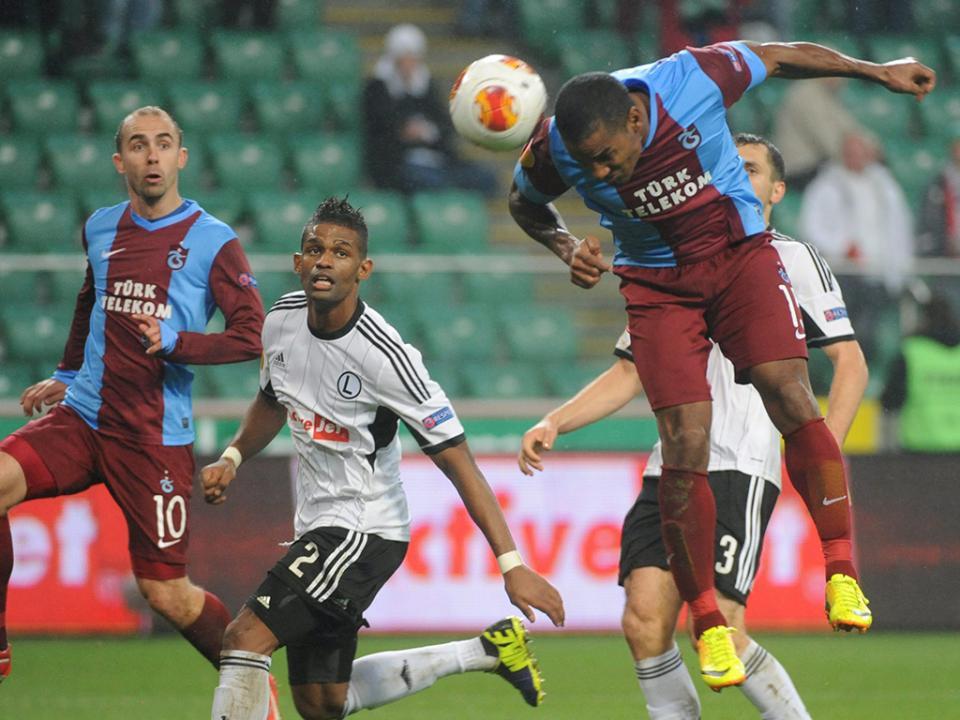 Turquia: João Pereira tem novo colega no Trabzonspor