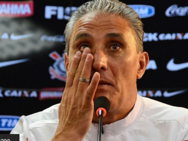 Tite confirma em lágrimas a saída do Corinthians