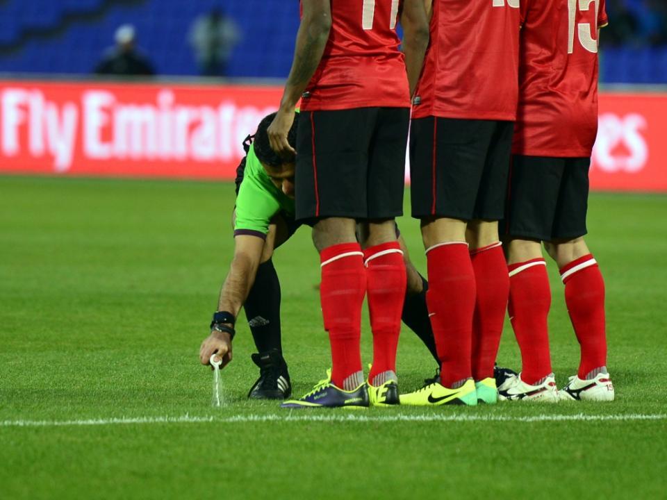 Agressão a árbitro dá 25 jogos de suspensão