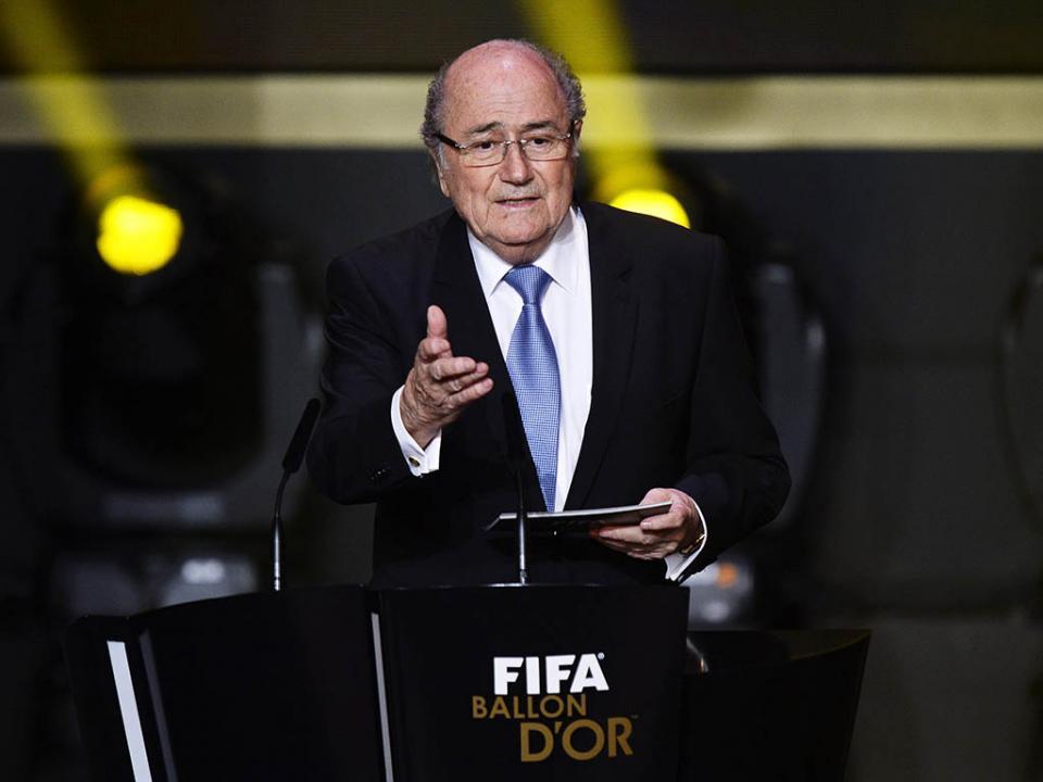 Blatter quer Campeonato do Mundo de 2022 entre novembro e dezembro