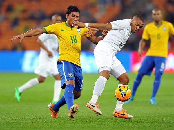 Fita Adesiva Jogador De Futebol ~ Paulinho, o jogador de futebol por exclus u00e3o de hipóteses Maisfutebol iol pt Volante da