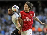 Rosicky voltou a lesionar-se e pode não jogar mais pelo Arsenal