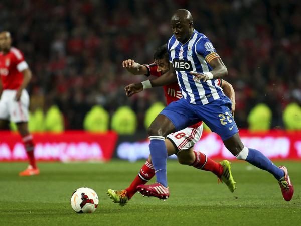 FC Porto: Mangala e Varela nos convocados