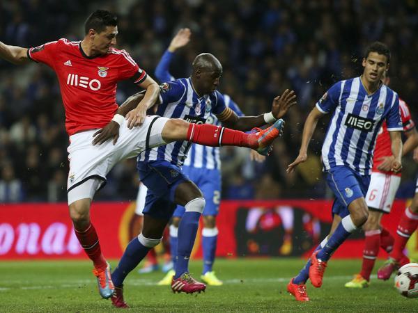 FC Porto: Mangala tem entorse no tornozelo direito