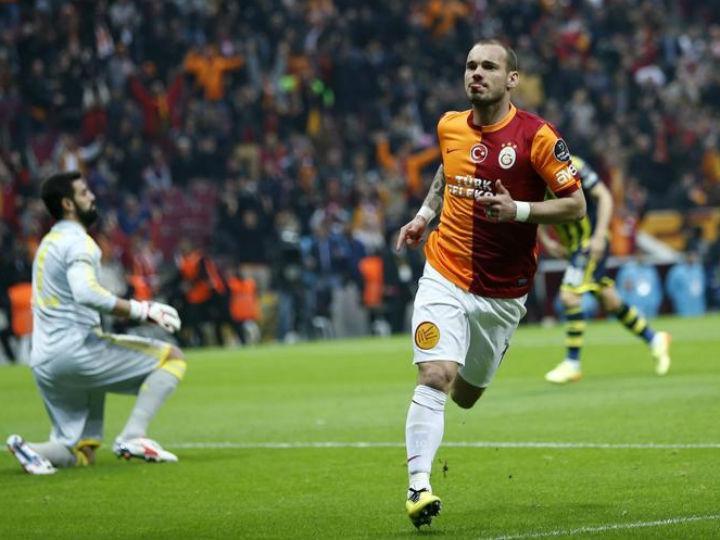 Josué fechou goleada do Galatasaray frente ao Alanyaspor de Candeias