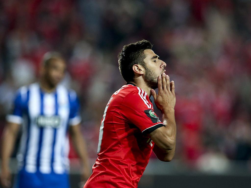 Benfica: Salvio já foi operado