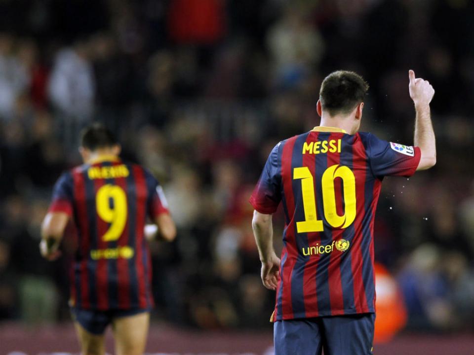 Barcelona anuncia acordo com Messi