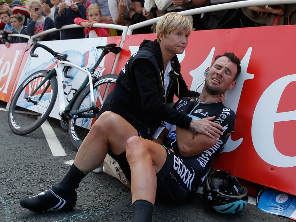 Ciclismo: Cavendish suspende carreira devido a vírus