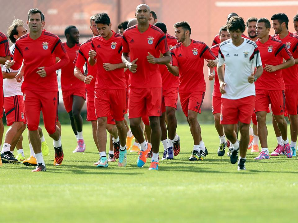 Benfica: Gonçalo Guedes com a equipa principal