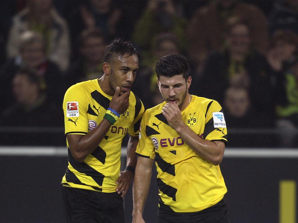 LC, Grupo D: Borussia goleia, Arsenal vence nos descontos