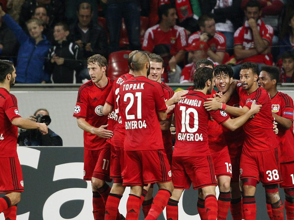 Atenção Benfica e Sporting: Bayer Leverkusen vence Schalke
