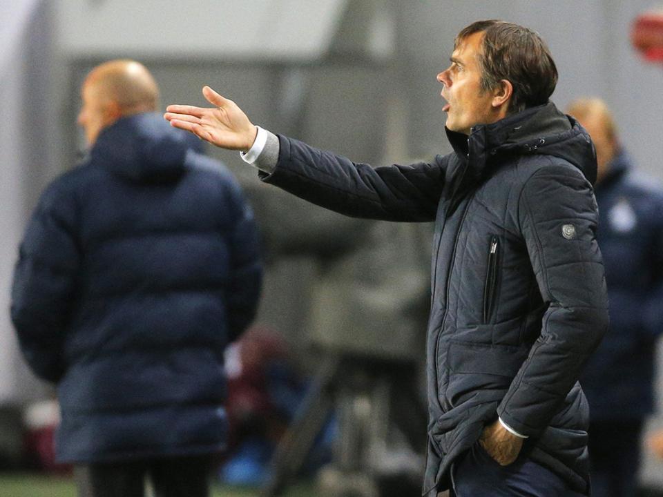 Cocu e o Benfica: «Temos de respeitar mas nunca ter medo»