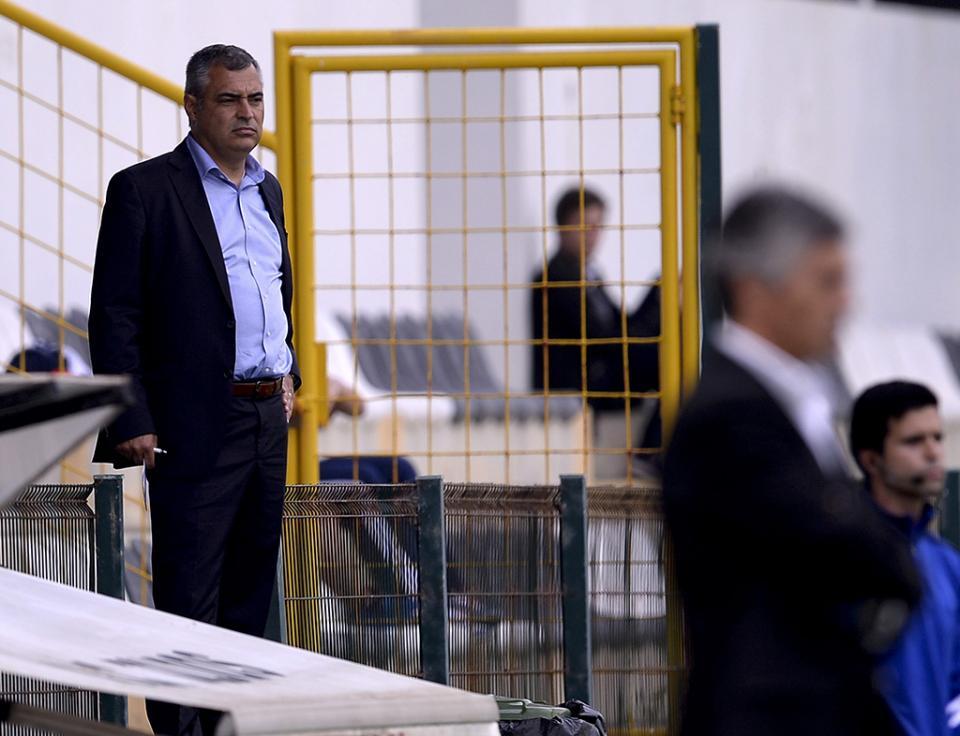 Estoril: Cabrera regressa após expulsão frente ao Benfica