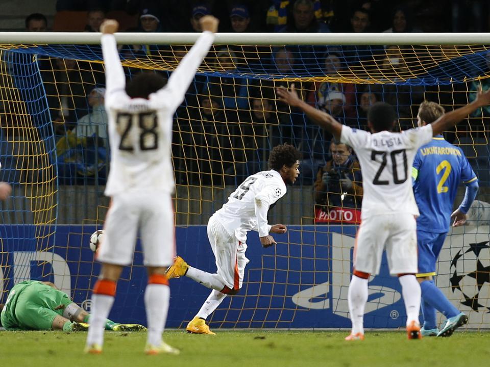 Atenção FC Porto: Shakhtar nos quartos da Taça, com bis de Bernard