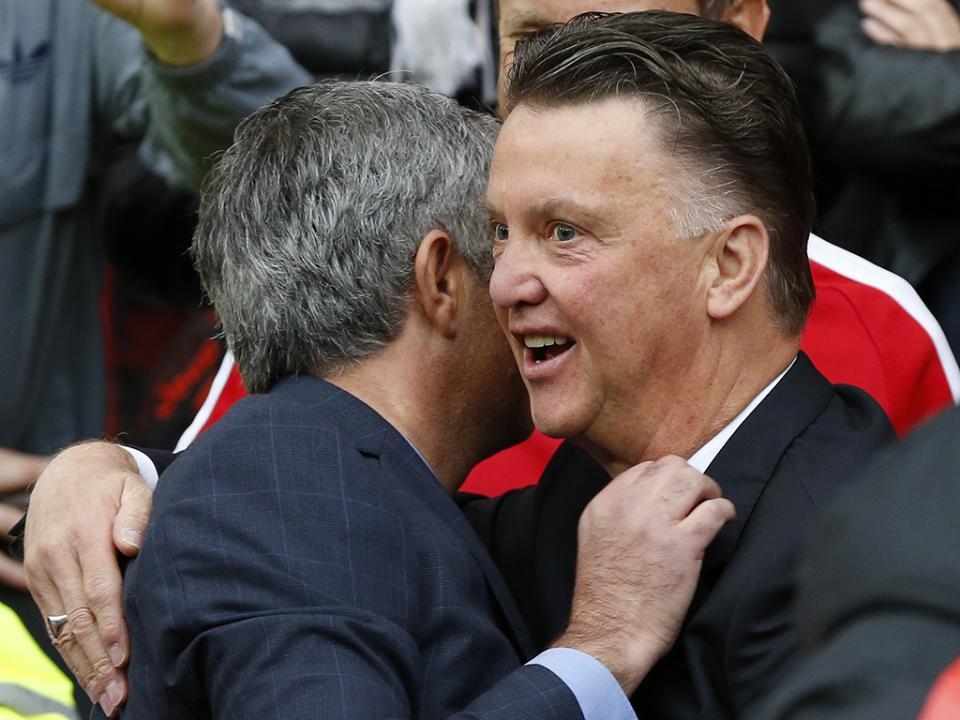 Van Gaal foi o último a rir ao segundo duelo com Mourinho