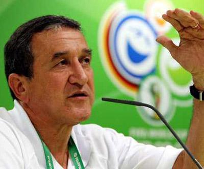 Brasil: Parreira apresentado como técnico do Fluminense