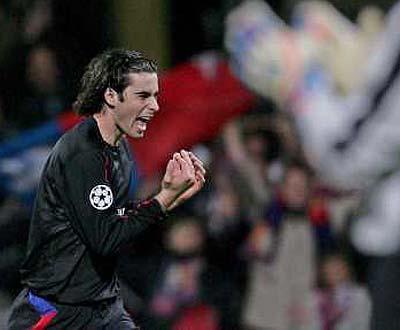 Champions: bis de Tiago na goleada aplicada pelo Lyon ao PSV