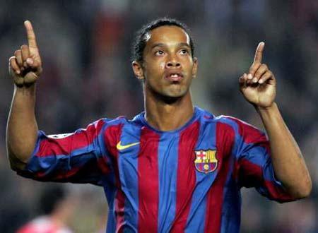 Ronaldinho foi embora, mas o Bernabéu ficou a seus pés