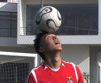 Benfica: D. Aves à espera de Miguel Vítor, Romeu Ribeiro e Yu Dabao