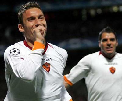 Liga dos Campeões: Roma vence Lyon e conquista «quartos» pela primeira vez