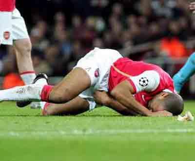 Inglaterra: Henry não joga mais esta temporada