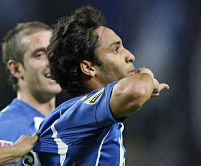 F.C.Porto: Ibson insiste em ficar no Flamengo
