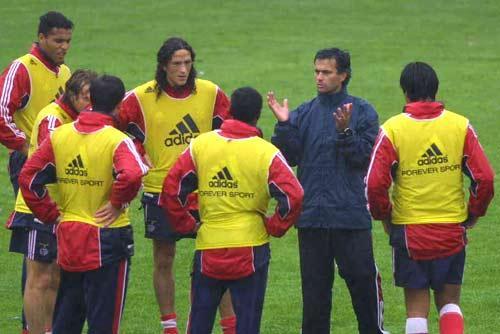 Mourinho descreve um dia como treinador: releia a crónica escrita para o Maisfutebol em 2000